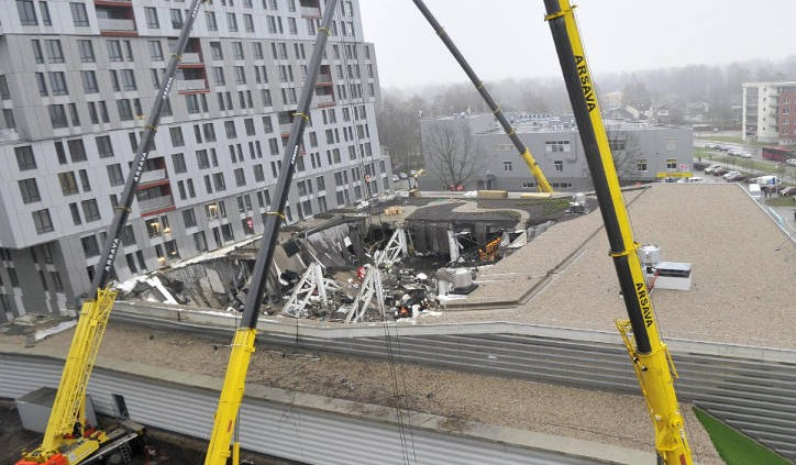 supermarket collapses in latvia min